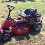 Motorr traktor i barit