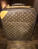 Louis Vuitton luggage pegase 45 (Valixhe)