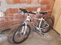 Shitet biciklla roshlla tush kabina
