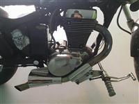 Shes motorrin Suzuki savage 650cc