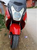 Shes skuter 150 cc URGJENT ne gjendje shum te mir
