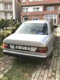 Shes mercedes w124
