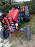 Shitet traktori Masey Ferguson 165