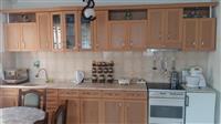 Kuzhin dhe tavolin buke