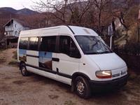Shes Kombi Bussin Renault ne gjendje perfekte.