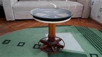 Tavolin antike mbi 100 vjeqare