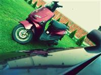 Shes Yamaha Zest 50