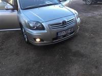 Toyota avansi b4d