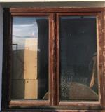 Shes 4 dritare me 3 dyer te drurit, Sllovene.
