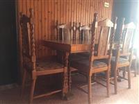 Komodina dhe Tavolina me Karrika
